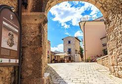 Güney İtalyadaki bu kasabaya taşınana büyük ikramiye