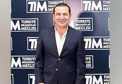 Türkü  seslendirdi