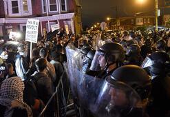 ABDnin Philadelphia kentinde protestolar nedeniyle sokağa çıkma yasağı ilan edildi