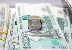 Rus rublesi düşüşe geçti