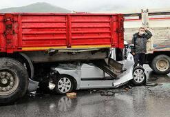 İzmirde 9 araç birbirine girdi Çok sayıda yaralı...