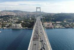 Yüzlerce motosikletli köprüyü geçerek şehitliğe gittiı