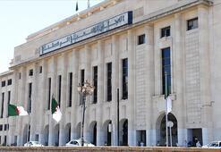 Cezayir 1 Kasımda Anayasa değişikliği için referanduma gidiyor
