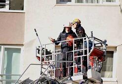 Vatandaşlar dikkatlice takip etti İzmirde çarpıcı görüntü