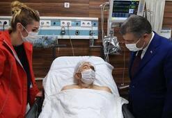 Sağlık Bakanı Koca, 33 saat sonra enkazdan çıkarılan Ahmet Çitimi hastanede ziyaret etti