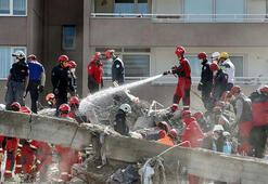Son dakika... AFAD İzmirdeki son durumu açıkladı 62 kişi hayatını kaybetti, 940 yaralı
