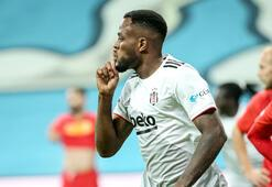 Beşiktaşta Larin yine boş geçmedi