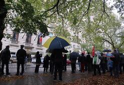 New Yorkta Macronun İslam karşıtlığı protesto edildi