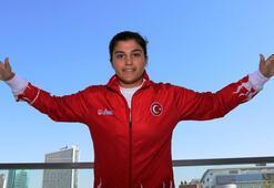Türk boks tarihinin en başarılısı Busenaz Sürmeneli