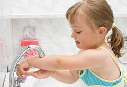 Çocuklar için en sağlıklı dezenfektan yöntemi: Su ve sabun