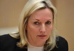 Avustralyada dört yöneticiye Cartier saat hediye eden Posta İdaresi CEOsu istifa etti