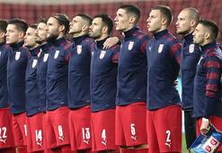 UEFAdan Sırbistana maça geç çıkma cezası