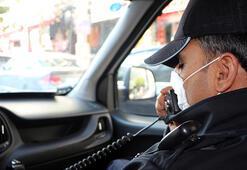 Polis megafonundan maske ve sosyal mesafe uyarısı