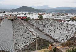 Kumlucadaki şiddetli yağış ve fırtınanın zararı 100 milyon lira