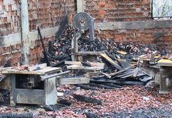 Marangoz atölyesi alev alev yandı 1 işçi hayatını kaybetti