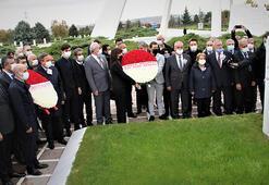 Bülent Ecevit, ölümünün 14üncü yılında mezarı başında anıldı