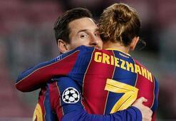 Barcelona ile futbolcular arasındaki maaş kesintisi müzakereleri sürüyor