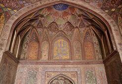 380 yıllık caminin motifleri ziyaretçileri hayran bırakıyor