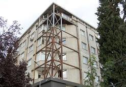 Görüntüsüyle merak uyandırıyordu Bakırköyde 6 katlı bina çelikle güçlendirildi