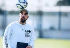Sercan Yıldırım, akademide çocuklarla futbol oynadı...