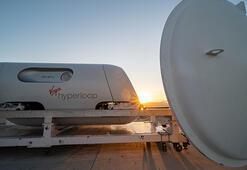 Virgin Hyperloop, içinde yolcu bulunan kapsülle yüksek hızlı sürüşü test etti