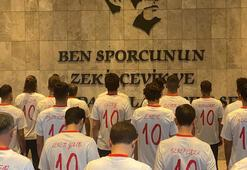 A Milli Futbol Takımı, Büyük Önder Atatürkü andı