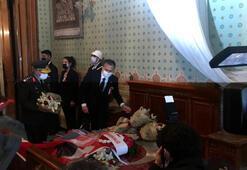 Vali Yerlikaya Atatürkün Dolmabahçe Sarayındaki odasını ziyaret etti