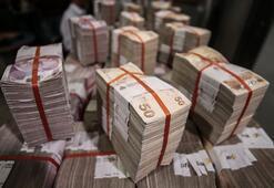 Hazine 3,3 milyar lira borçlanmaya gitti