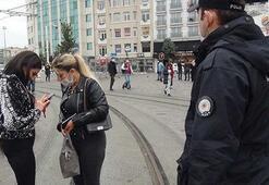 Maske takmadıkları için ceza yiyen kadınlar, gazetecilere saldırdı