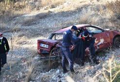 Sürücüsünün direksiyonda uyuduğu otomobil 20 metreden yuvarlandı; 2 yaralı