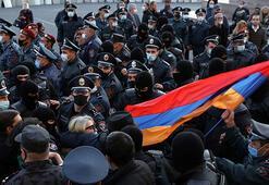Ermenistanda Başbakan Paşinyanın istifası için protestolar sürüyor