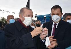 Cumhurbaşkanı Erdoğana çocukluk arkadaşı saat hediye etti