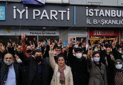 İYİ Parti üyesi bir grup eylem yaparak İstanbul İl Başkanının istifasını istedi