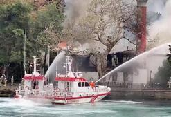 Son dakika... Tarihi camide yangın paniği
