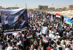 Son dakika... Sudanda binlerce kişi nihai barış anlaşmasını kutladı