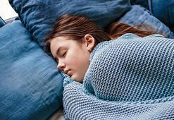 Soğuk odada uyumanın vücuda 9 faydası