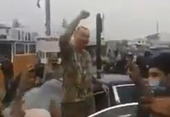 Aliyev cephe hattını ziyaret etti