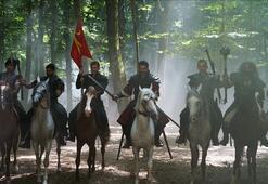 Türkler Geliyor: Adaletin Kılıcı filmi konusu ve oyuncu kadrosu Türkler Geliyor: Adaletin Kılıcı filmi kaç yılında çekildi