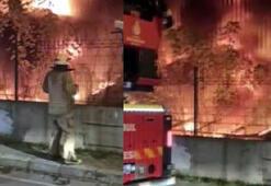 Avcılarda halı sahanın yanındaki trafo alev alev yandı