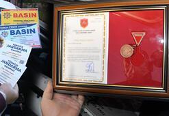 T.C Cumhurbaşkanlığı Gazetesi ile itibar kazanmaya çalışan kaçakçılar yakalandı
