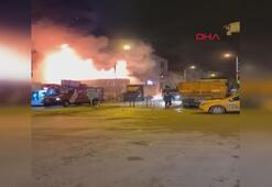 Yenibosnada iş yerinde patlamanın ardından yangın çıktı