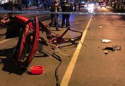 Otomobil ikiye bölündü Sürücüsü ağır yaralandı