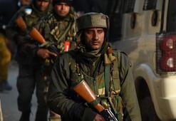 Cammu Keşmirde çatışma: 4 direnişçi öldü