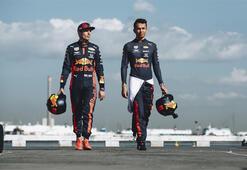 Red Bull Pit Stop Challengeda en hızlı piti yapanlar, Albon ve Verstappen ile buluştular
