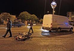 Motosikletle minibüs çarpıştı 1 kişi yaralandı