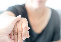 Türkiyede 300 bin civarında alzheimer hastası var