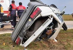 Kozanda iki otomobil kafa kafaya çarpıştı: 3 yaralı