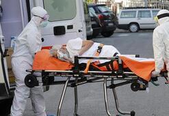 İtalyada son 24 saatte 699 kişi Kovid-19dan hayatını kaybetti