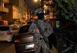 İstanbulda gece yarısı baskın Çok sayıda gözaltı var