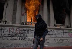 Guatemalada tansiyon yükseldi Ortalık savaş alanına döndü